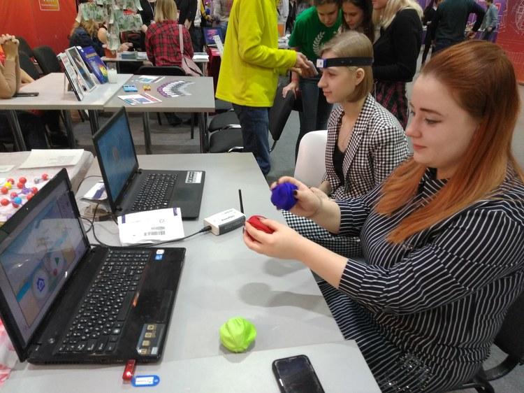 Преподаватели и студенты кафедры специальной психологии КГПУ им. В.П. Астафьева организовали секцию по нейронаукам на фестивале «NAUKA 0+»