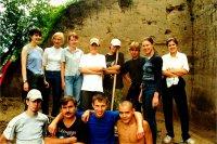 Студенты, участвовавшие в археологических исследованиях Афонтовой горы (г. Красноярск) в 2001 году.